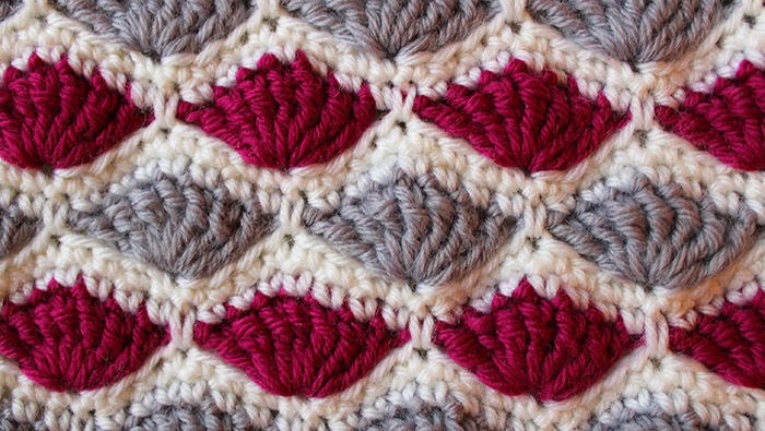 Crochet an iPad / tablet cover in shell stitch