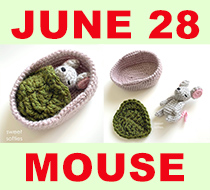Tiny mouse in a basket crochet pattern