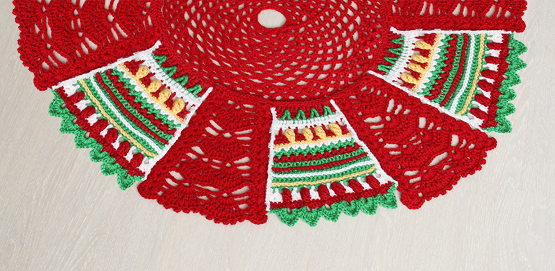 Crochet Christmas tree skirt or mat